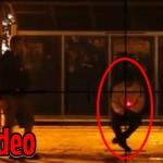 Pegadinha tiro no ponto de ônibus