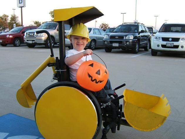 fantasias-usando-cadeiras-de-rodas-11