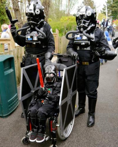 fantasias-usando-cadeiras-de-rodas-4