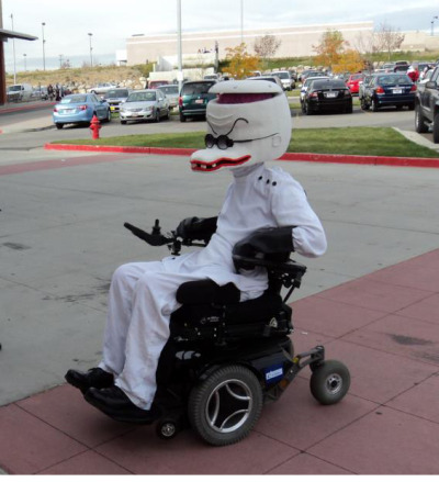 fantasias-usando-cadeiras-de-rodas-6