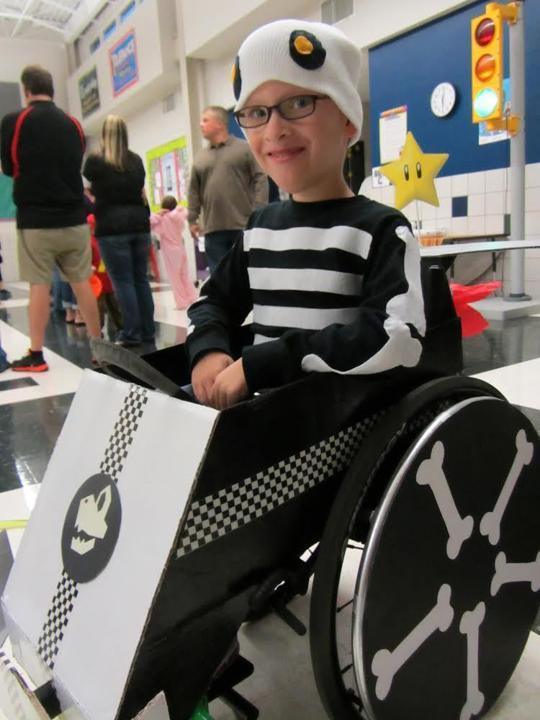 fantasias-usando-cadeiras-de-rodas-7