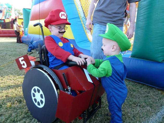 fantasias-usando-cadeiras-de-rodas-8
